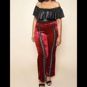 🎊 HP 🎊 Burgundy Velvet Pants Hooked